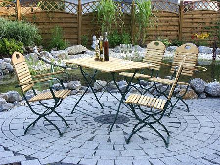 Aus Robinienholz Gefertigte Gartenmöbel